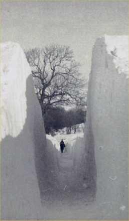Snowy_road1947