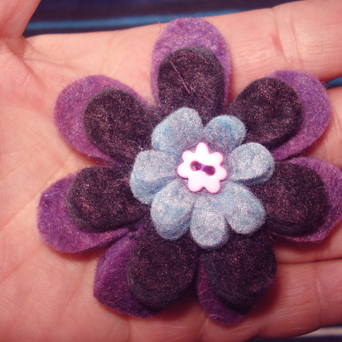 Felt_Flower_Brooch1