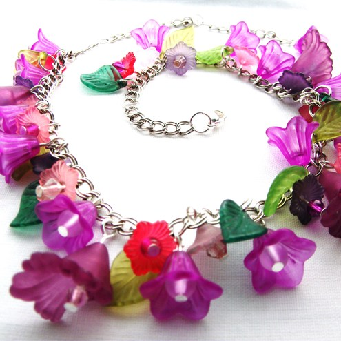 Spring_flowers_necklace