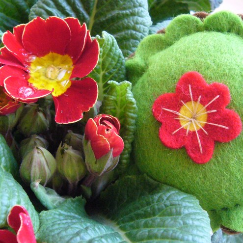 Dinky_Spring_Pin_Cushion