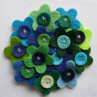 Felt_Brooch_Holly_Dog